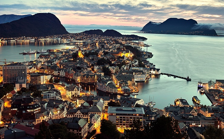 norway-alesund-1920x1200